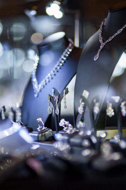 À Chaville, une bijouterie de qualité où vous attend le bijou de vos rêves